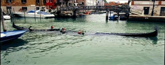 sinking-gondola