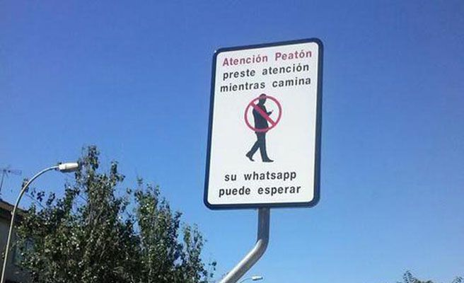 Whatsapp traffic signal in Spain