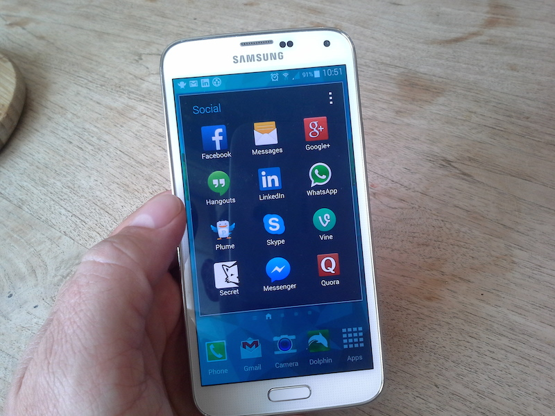 social-apps-phone
